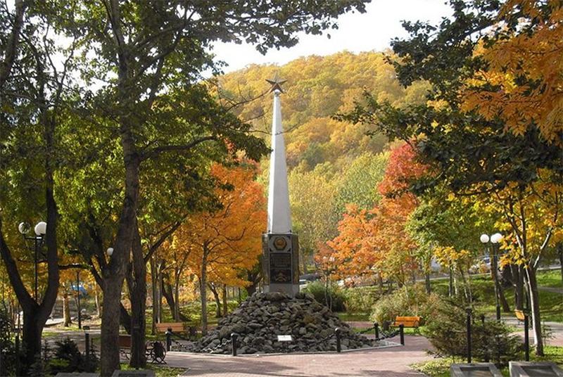 памятник воинам Советской Армии - освободителям Курильских островов